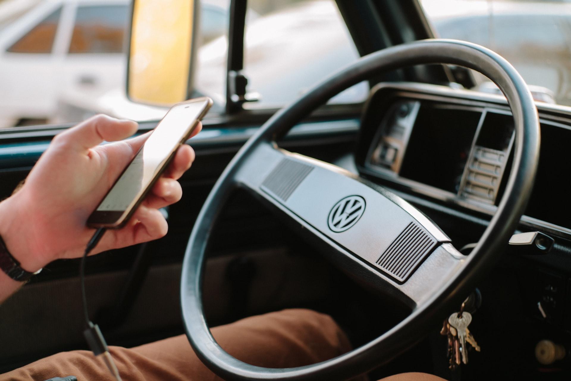 akcesoria samochodowe do telefonu